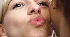 Поцелуи в щеку