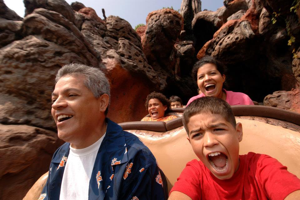 Disney corsa sulle montagne russe